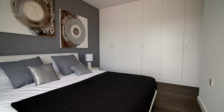 ES 8 Mahersol - Sierra Cortina - urb Mediterranean Garden - dormitorio
